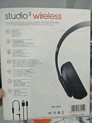 Beats studios3 wireless headphones image 2
