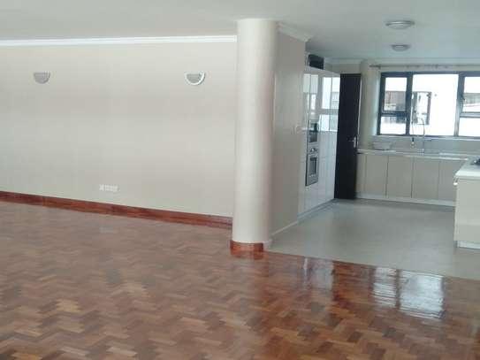 Riverside - Flat & Apartment image 11
