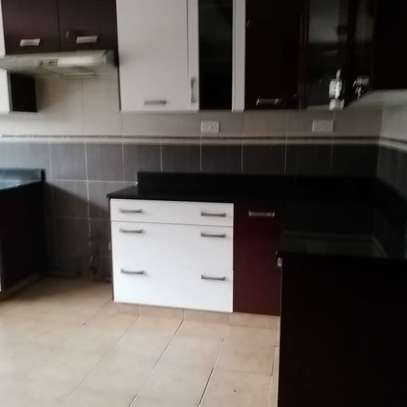 AN EXECUTIVE 4 BEDROOMS TOWNHOUSE WITH DSQ image 10
