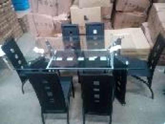 4 seaters dining table