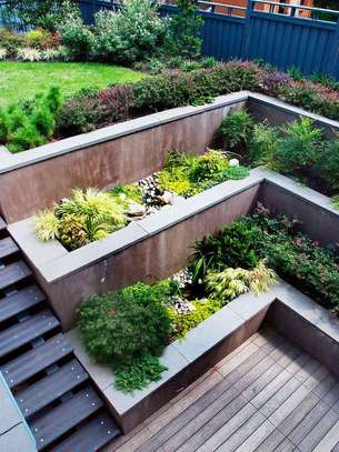 Concrete Retaining Walls image 2