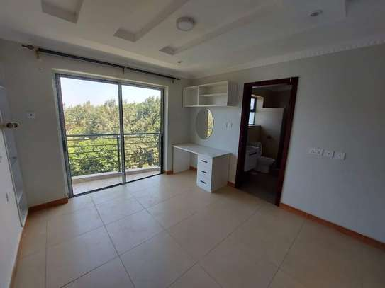 4 bedroom apartment for rent in Ruaka image 2