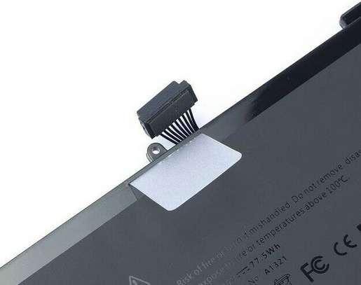 "Mid 2009 2010 MacBook Pro 15"" A1286 EMC 2324 2325 2353 Apple New Genuine Battery image 1"