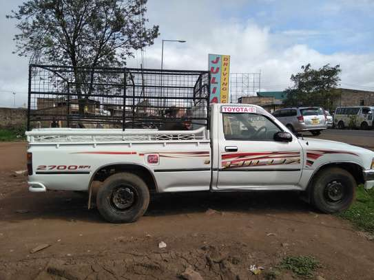 TOYOTA HILUX PICK UP RN85 image 1