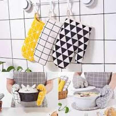Non slip pot holder oven mittens image 1