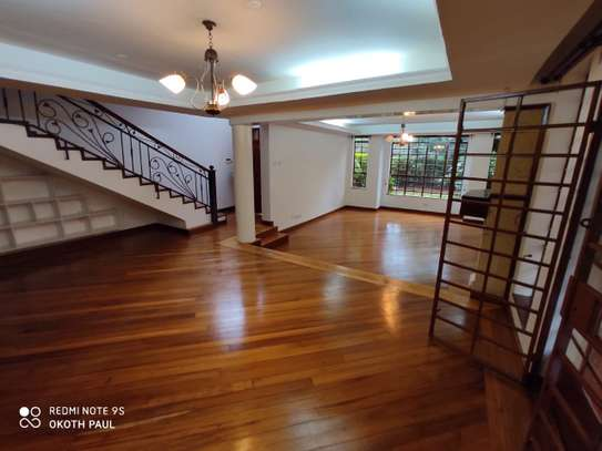 6 bedroom townhouse for rent in Lavington image 9
