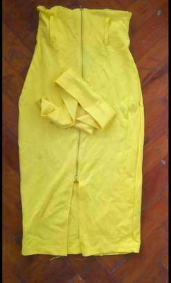 Yellow skirt stretch with belt size 8 and 10