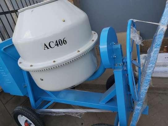 concrete mixer image 1