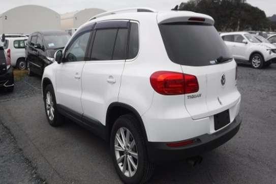 Volkswagen Tiguan image 8