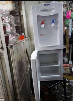 Water Dispenser image 2