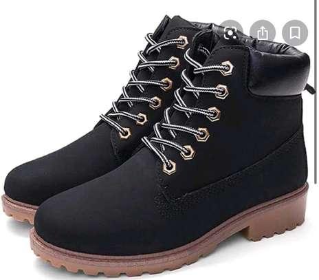 Ladies fashion boots image 4