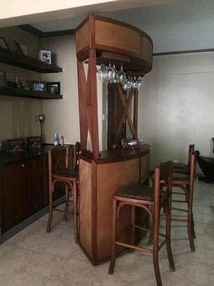 House Minibars with 4 bar stools