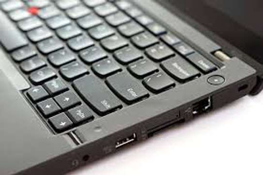 Lenovo Thinkpad  x240 image 4