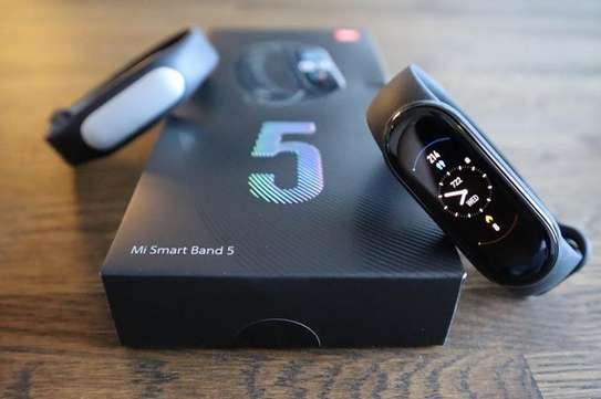 Mi Smart Band 5 image 2