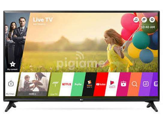 LG 32 inches Smart Digital TVs image 1