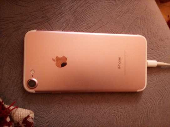Iphone 7 32 image 1