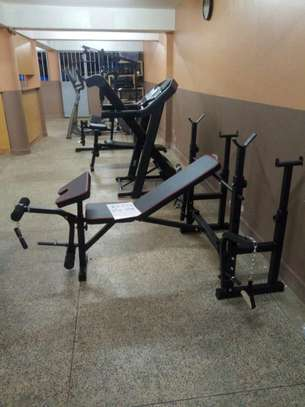 Weight-lifting bench image 1