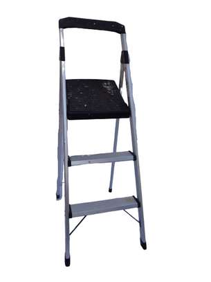 Gorilla 3-step aluminium ladder.