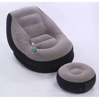 Portable seat with foot rest image 3
