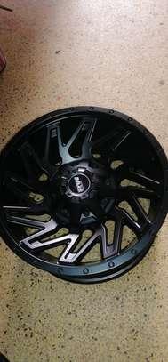 Size 17 Toyota Hilux rims image 6