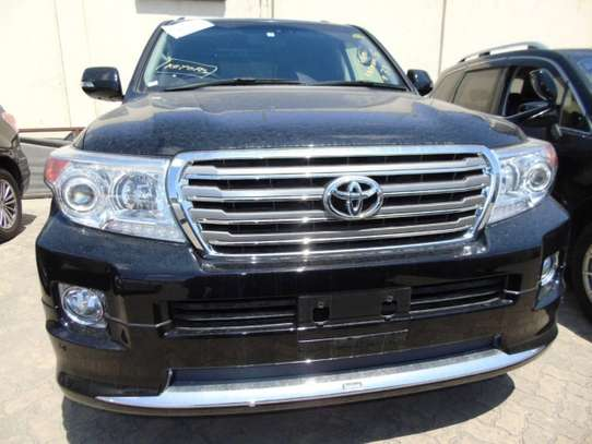 Toyota Land Cruiser 200 4.6 ZX