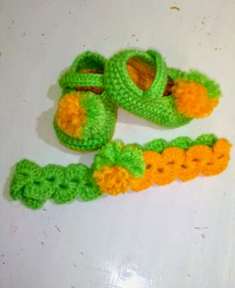 New born knitted baby shoes and headbands