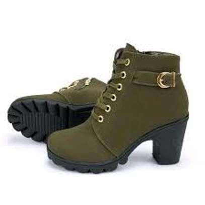 Classy ladies boots image 3