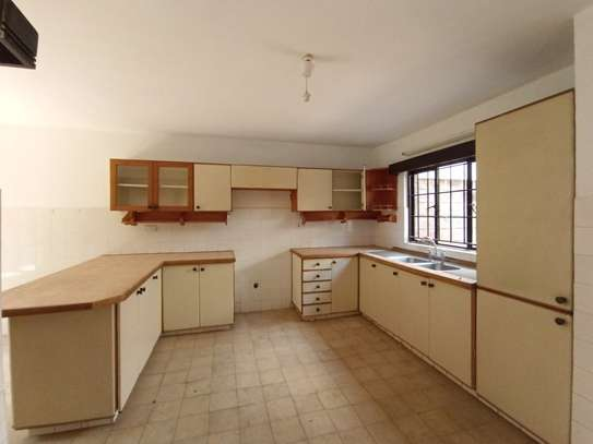 4 bedroom townhouse for rent in Spring Valley image 2