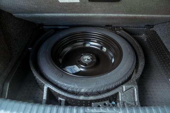 Volkswagen Tiguan image 13
