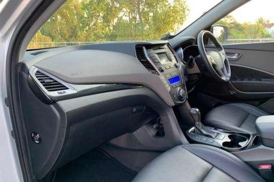 Hyundai Santa Fe image 12