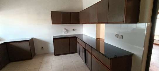 5 bedroom house for rent in North Muthaiga image 4