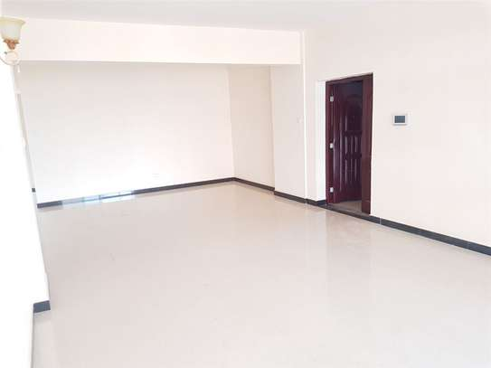 Lavington - Flat & Apartment image 8