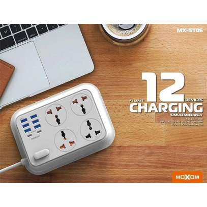 MOXOM MX-ST06 2-Meter Wall Extension Plug Cord with 4 Socket Outlets and 6 USB and 2 PD Charge 3.4A image 6