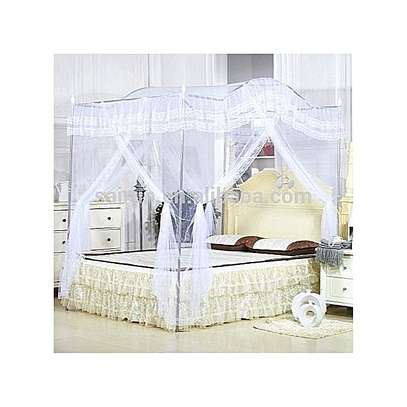 Mosquito Net with 4 Metallic Stands-Curved Top image 4