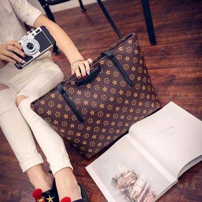 Ladies classy pattern leather handbags image 2