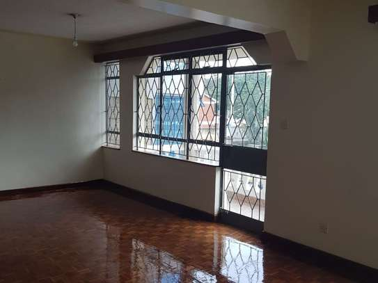 Lavington - Flat & Apartment image 2
