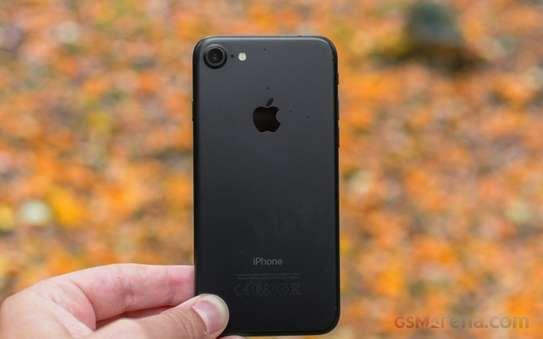 Apple iPhone 7 32GB image 3