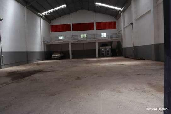 6000 ft² warehouse for rent in Mtwapa image 2