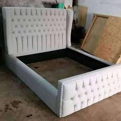 Chesterfield bed 5*6 image 1