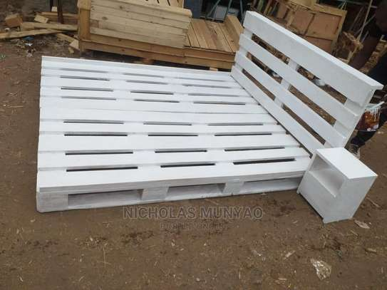 White Simple Bed image 1