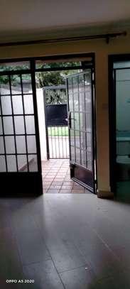 1 bedroom house for rent in Kileleshwa image 16