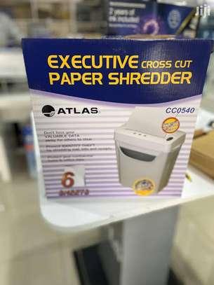 Crosscut Paper Shredder 6 Sheets image 2