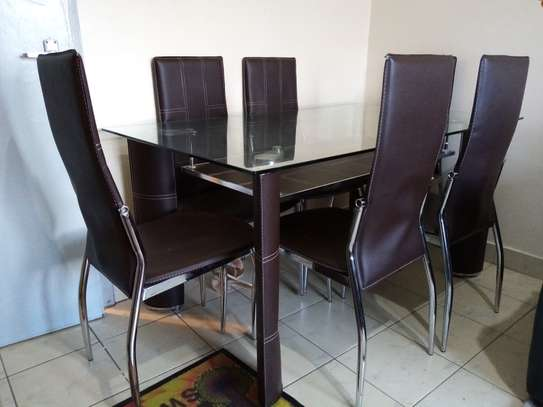 Dinning table for sale image 2