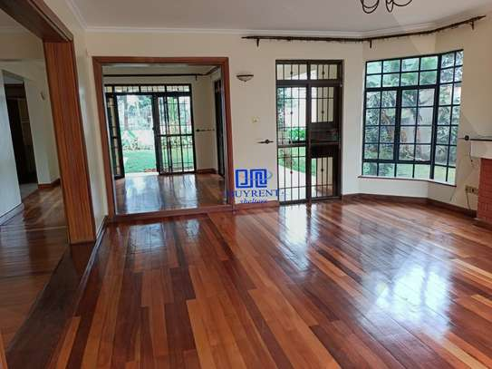 4 bedroom house for rent in Gigiri image 11