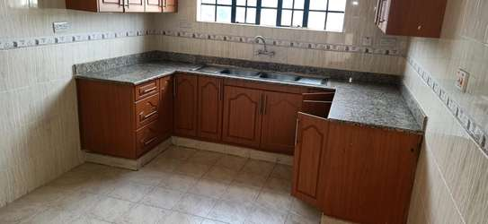 3 bedroom Apartment with DSQ to Let image 1