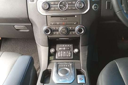 Land Rover Discovery 4 image 12