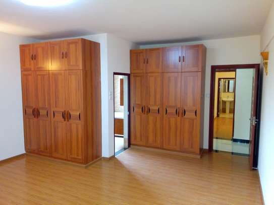 4 bedroom apartment for rent in Lavington image 3