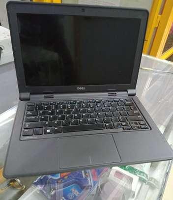 Laptop Dell Latitude 11 3180 4GB Intel Pentium HDD 320GB image 3