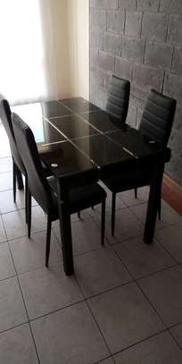Strong dinner table