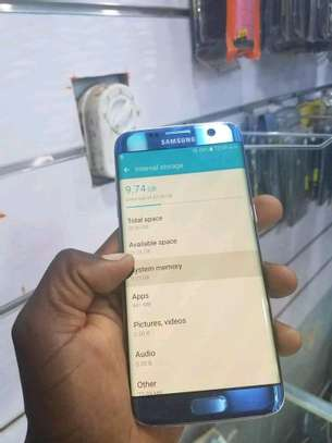 mobile phone Samsung s7edge image 2